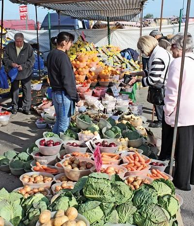 Blackbushe Market 2
