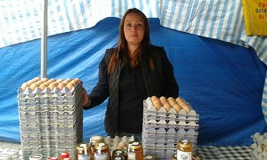 Emily Broun of Manor Farm Eggs had another good selling day during my visit