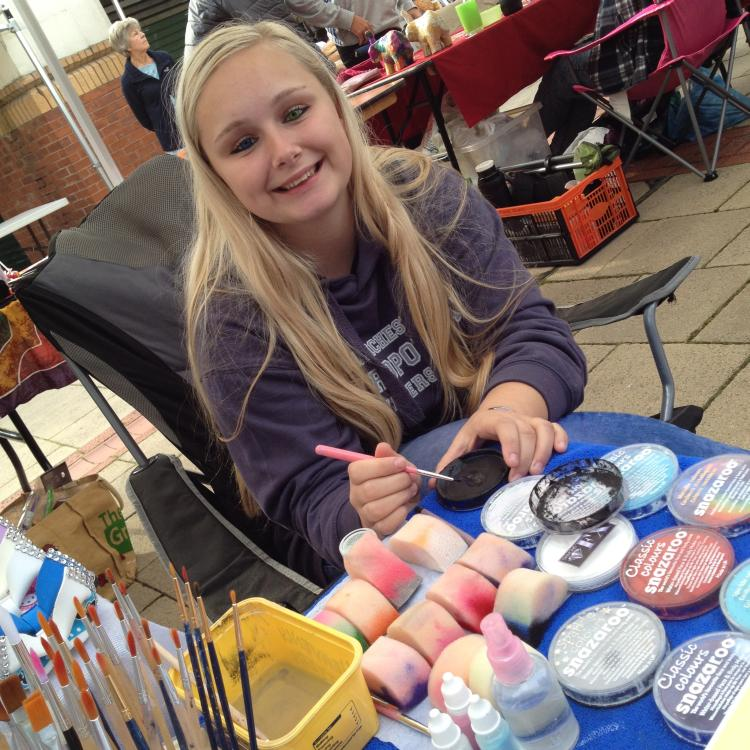 Teenage-Market-Facepainting