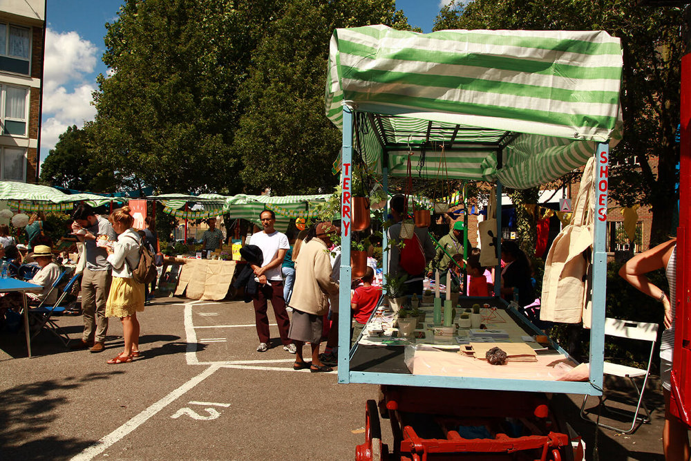 Roman-Road-Makers-Market-row-stalls (2)